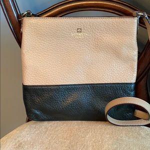 Small Kate Spade crossbody purse